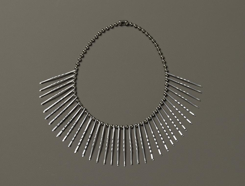 Anni Albers and Alexander Reed, Necklace, ca. 1940. Courtesy of The Josef and Anni Albers Foundation 1994.14.25 Photo: Tim Nighswander/Imaging4Art. © The Josef and Anni Albers Foundation/Artists Rights Society, NY. D.R. © Anni Albers/ARS/VG Bild-Kunst/SOMAAP/México/2020.