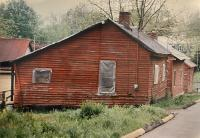 Beverly Buchanan, Madison, Georgia, 1991. Color photograph, 14.5 x 20 inches. Image courtesy Andrew Edlin gallery, New York.