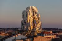 <em>Luma Tower</em> imagined by Frank Gehry, January 2021. Luma Arles, Parc des Ateliers, Arles (France) © Adrian Deweerdt