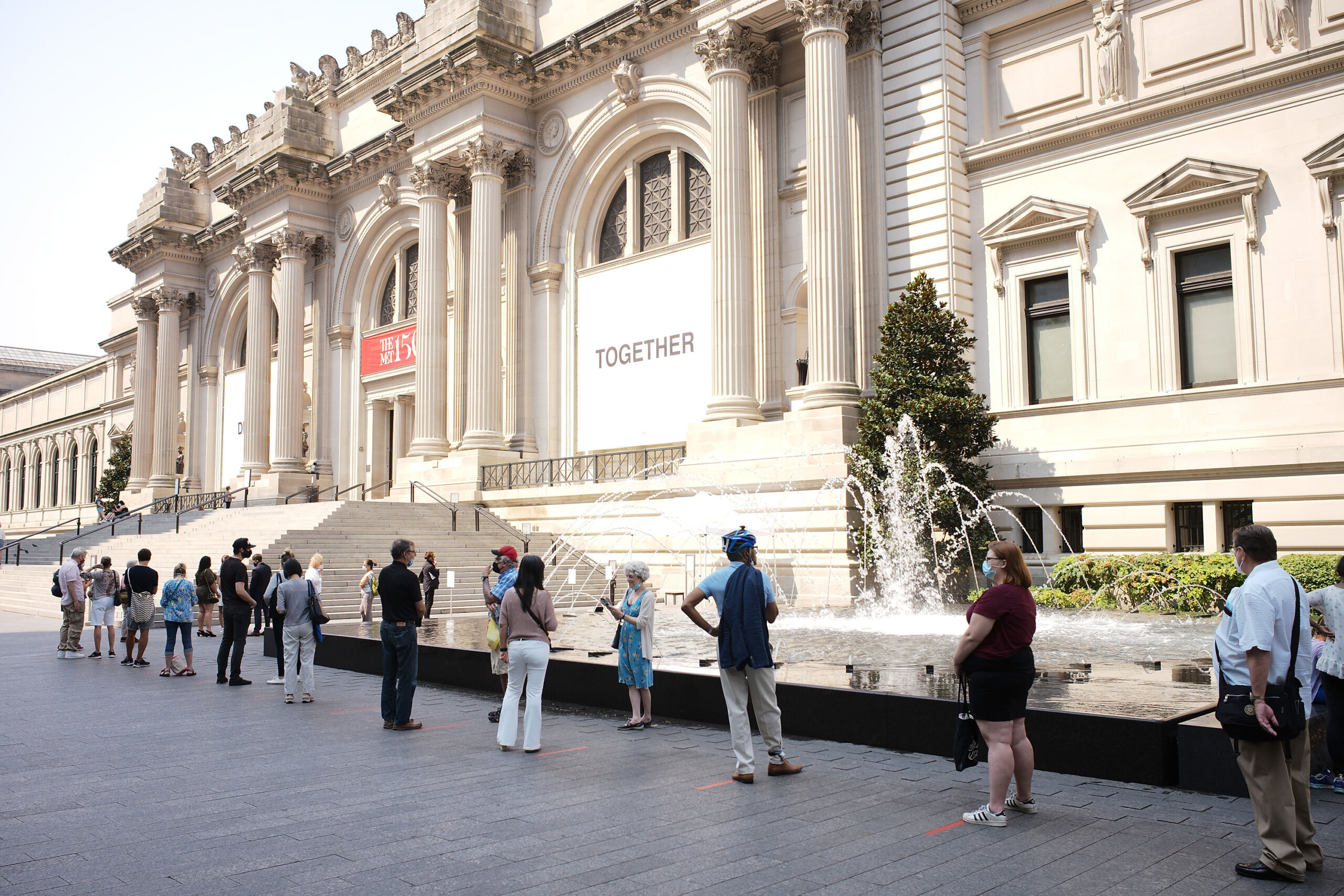Visitors queue to enter as The Met reopens in August 2020 after Covid 19 lockdown closure. Credit: Taylor Hill © Taylor Hill, 2020. Image courtesy PBS.