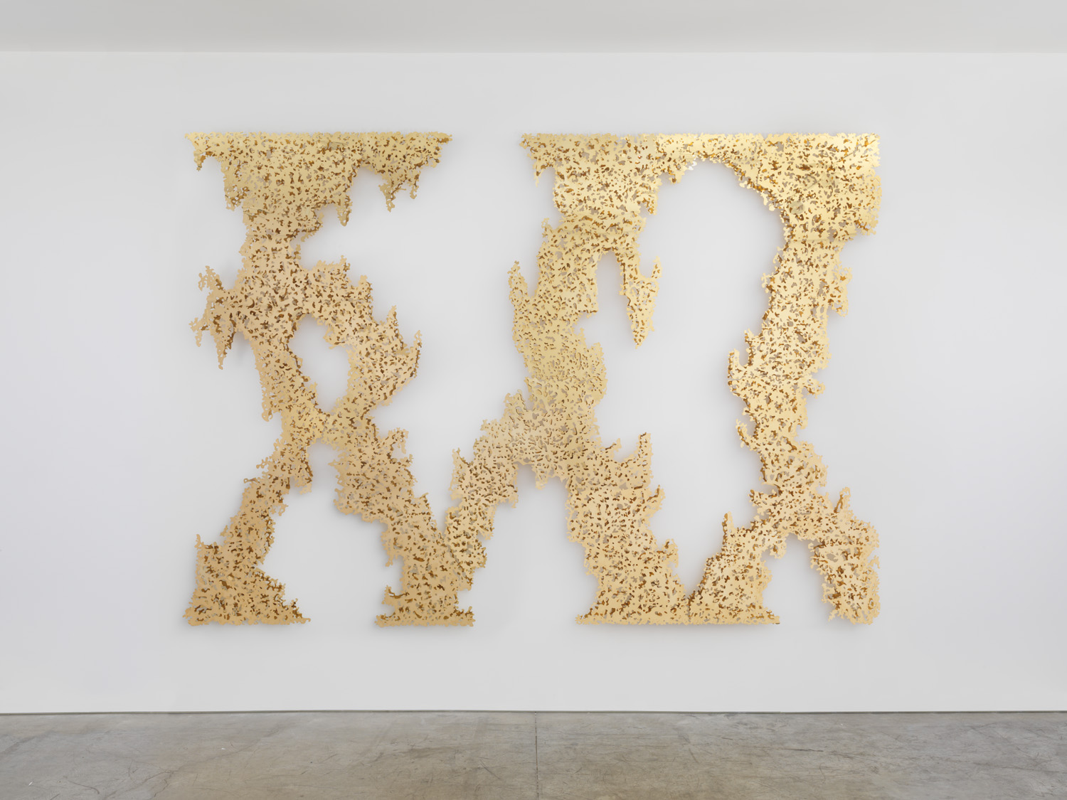 Teresita Fernandez, Ghost Vines (Yellow Gold), 2015.